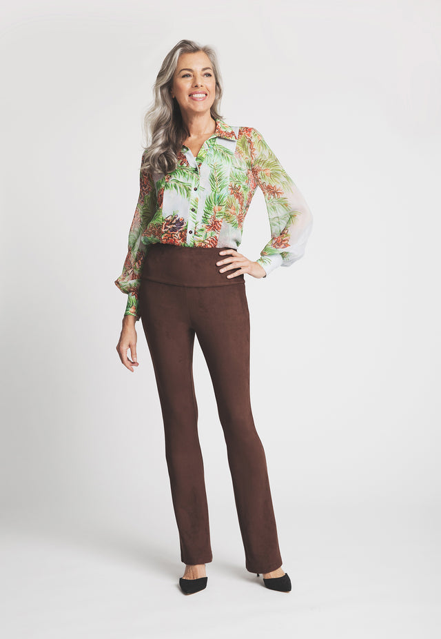 Gabriele Pant in Brown front view