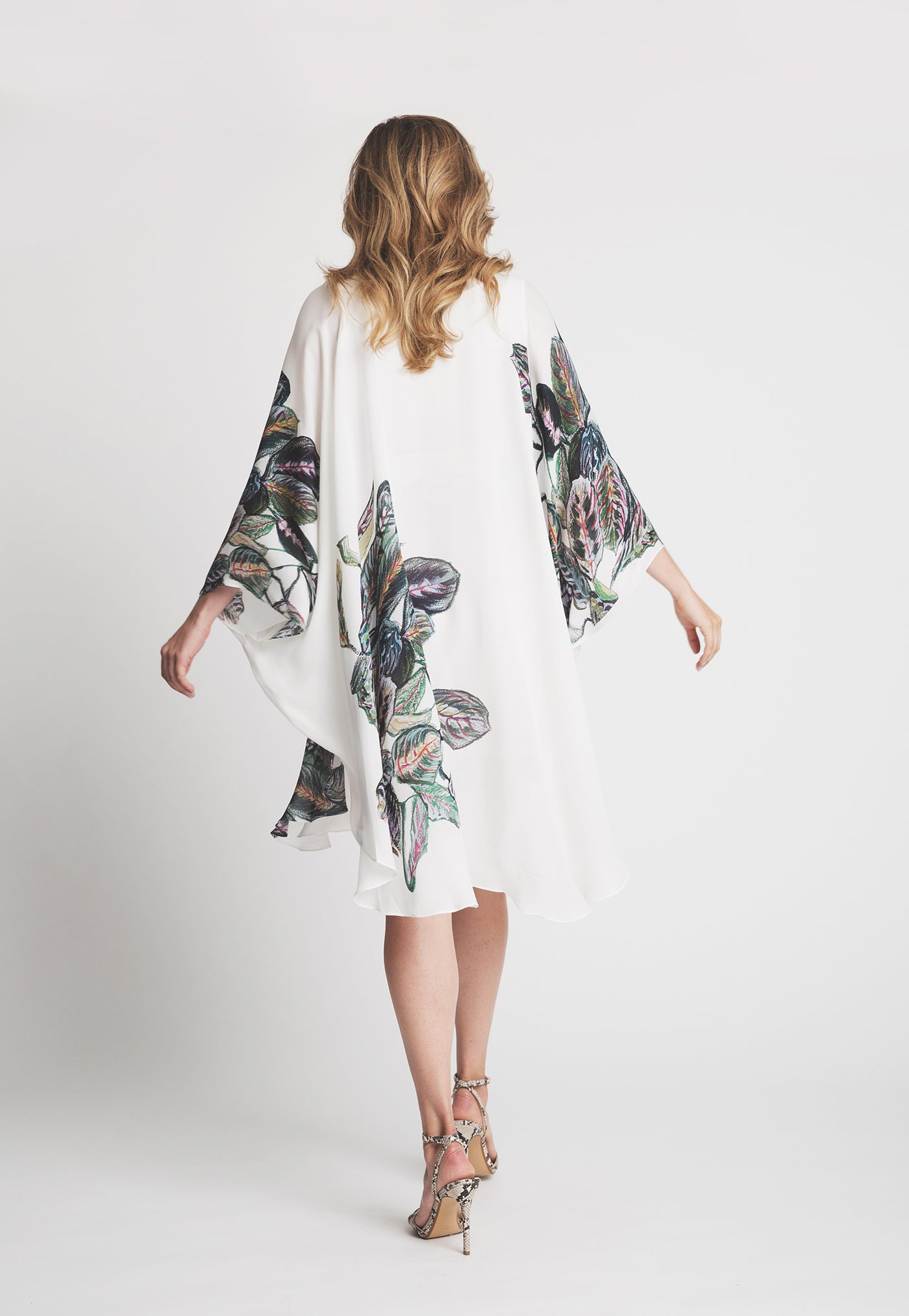 Alexandra Kaftan in Tropical Leaves 4