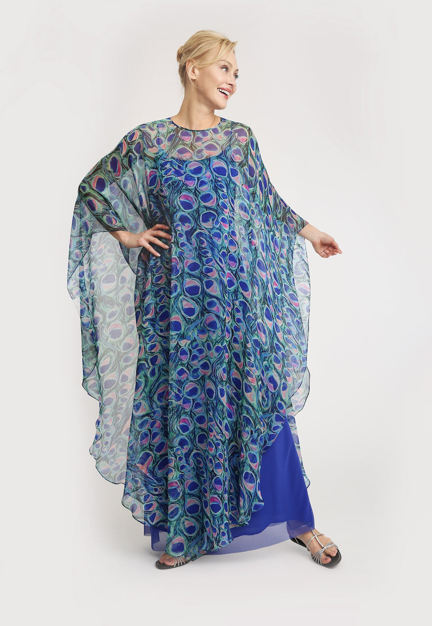Taylor Poncho in Jaipur front view