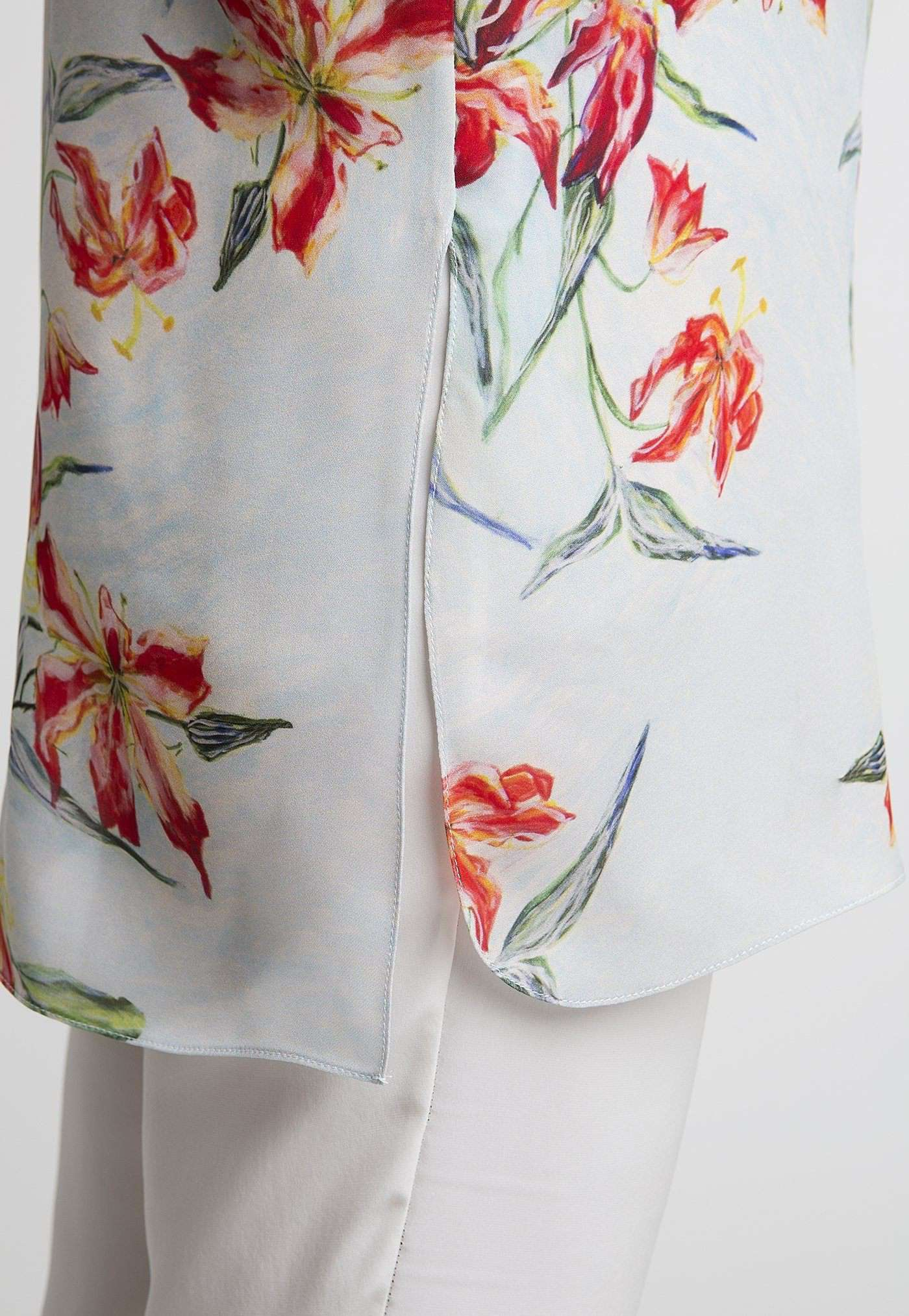 Ala Blouse in Water Mill side view