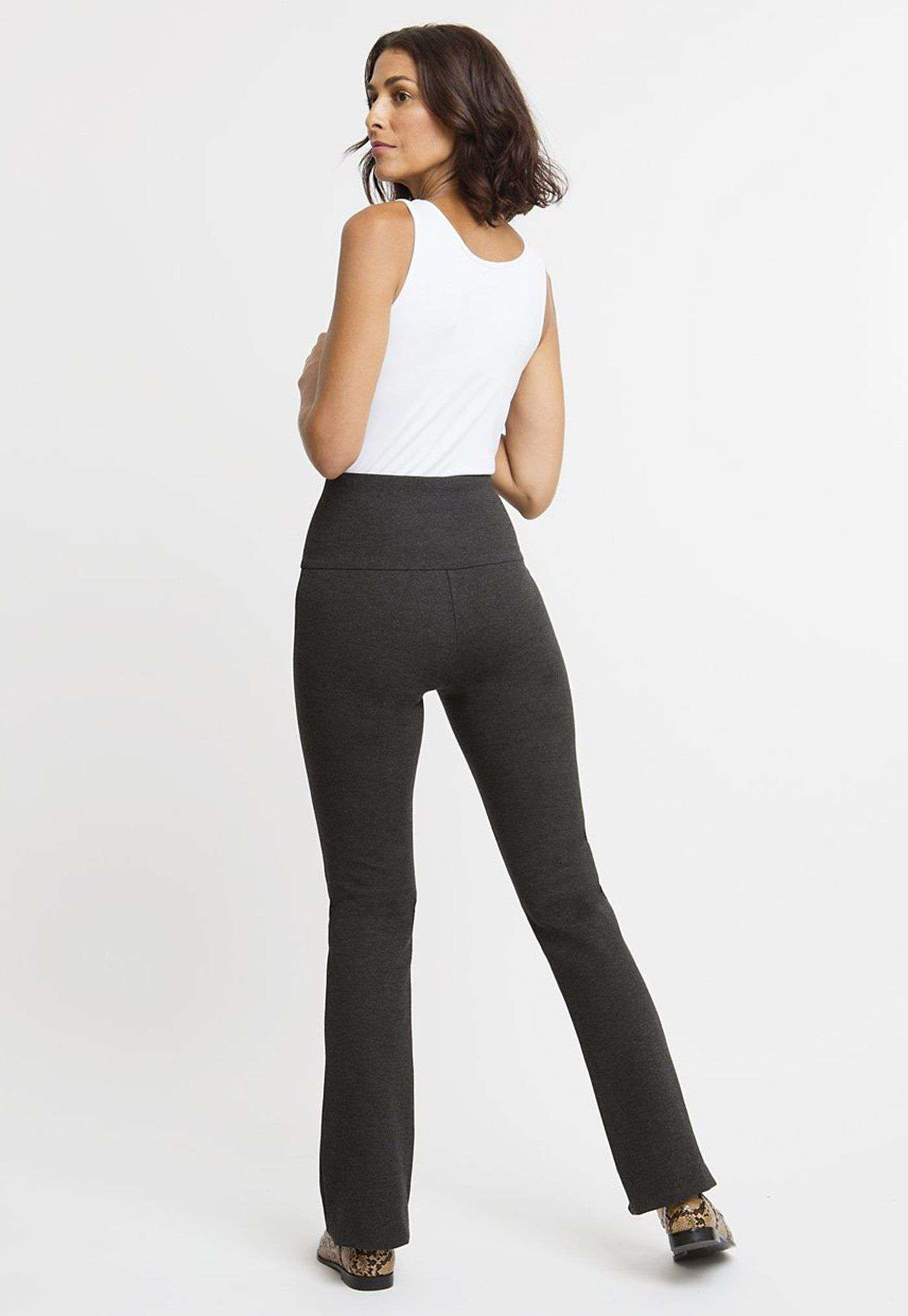 Gabriele Pant in Dark Heather Grey back view