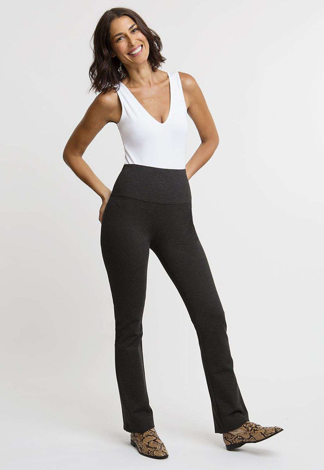 Gabriele Pant in Dark Heather Grey