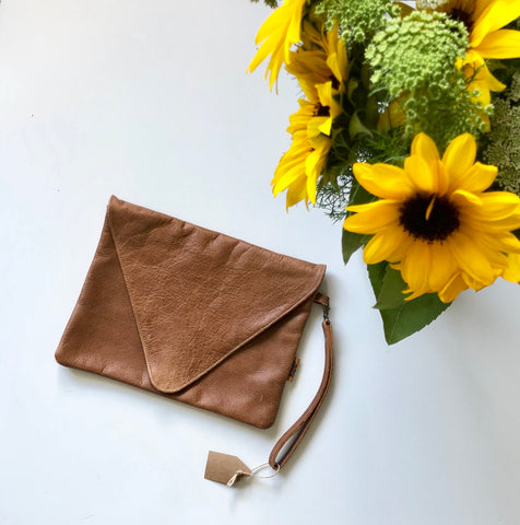 Eve Clutch / Deep Tan Leather