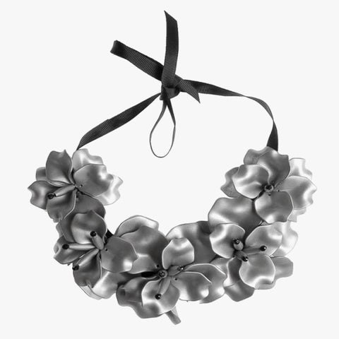 Flower Necklace Silver - Villa Yasmine