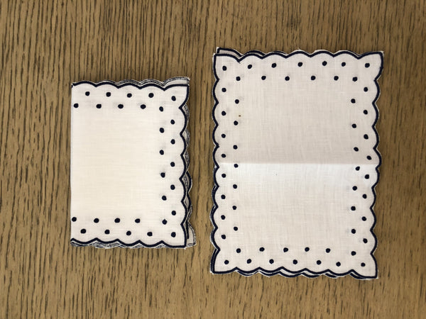 Dotted cocktail napkins - Villa Yasmine
