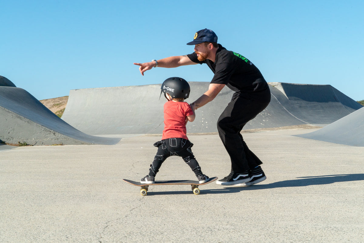 Gold Coast Skateboarding lessons, beginner, intermediate, advanced, micro groms, girls only, for all ages and skill levels.