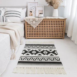 Geometric Boho Rug with Tassels - Triangle 2'x 3'