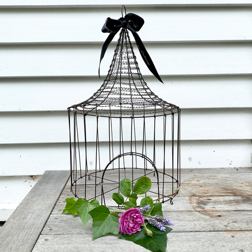 Rustic Wire Bird House