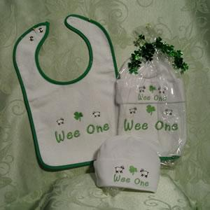 Wee One Gift Setf Bib Hat