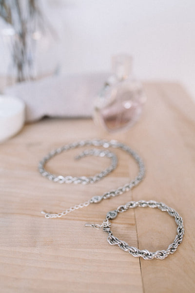 bracelet and necklace in stainless steel