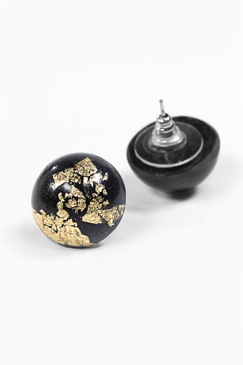 Astral-studs-earrings-handmade-montreal-canada-resin-jewelry-hypoallergenic-gold-leaf-black