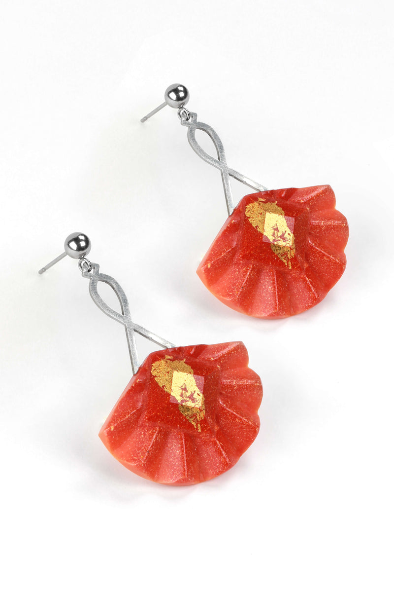Statement earrings studs in stainless steal and gold leaf 24 carats named Cancan and coral red color
