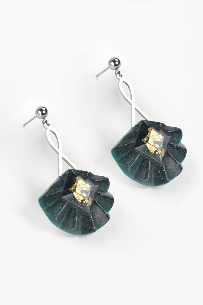 Statement earrings studs in stainless steal and gold leaf 24 carats named Cancan and forest green color