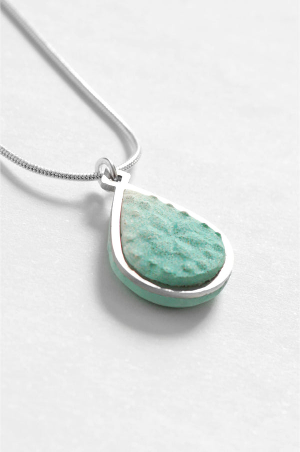 Candide teardrop adjustable length necklace in mint green resin and hypoallergenic stainless steel