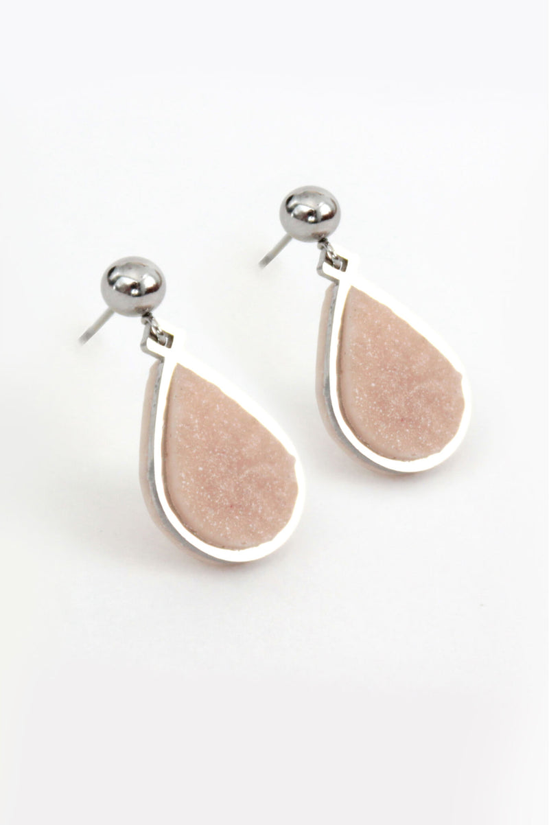 Candide teardrop stud earrings in beige resin and hypoallergenic stainless steel