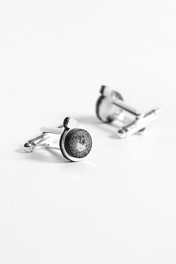Echo, handmade cufflinks for him in marbled black and white resin and hypoallergenic stainless steel