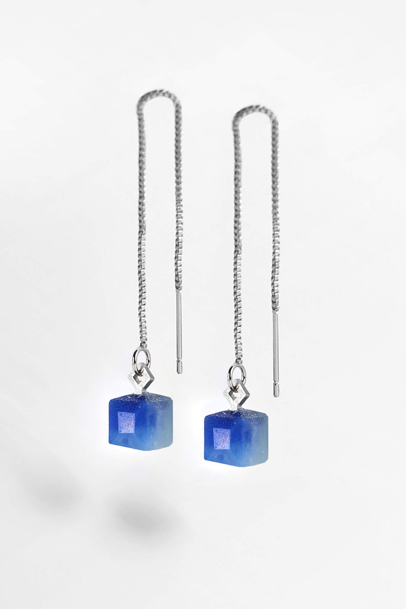 Hasard, tiny minimal dangling earrings in indigo blue resin and hypoallergenic stainless steel