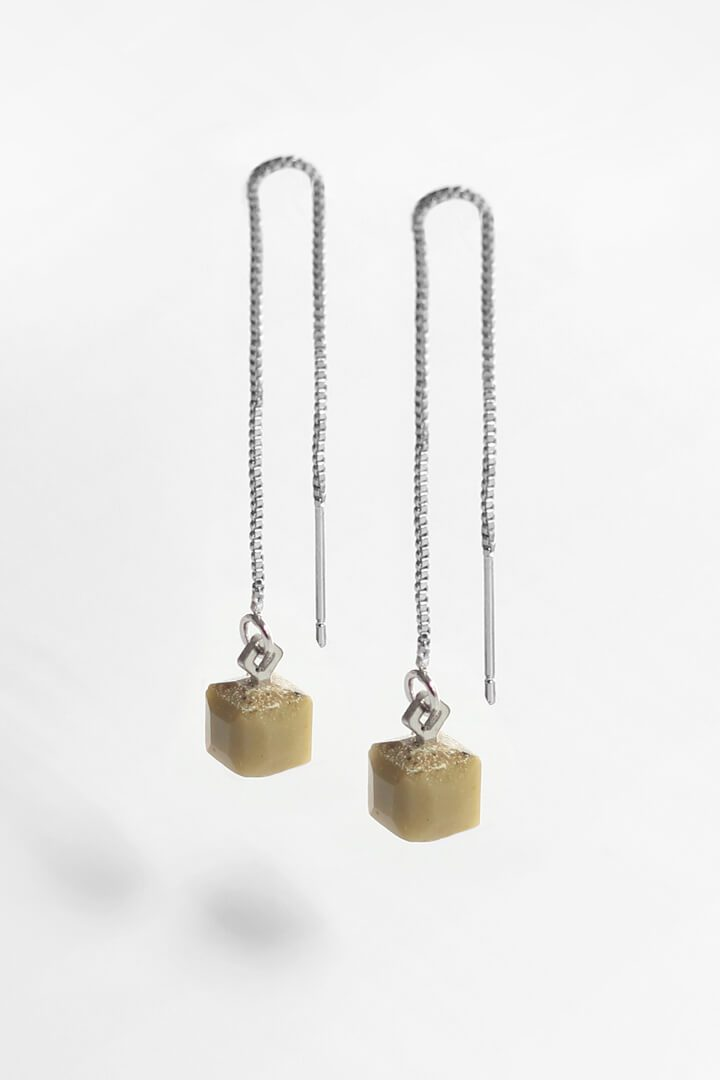 Hasard, tiny minimal dangling earrings in matcha green resin and hypoallergenic stainless steel