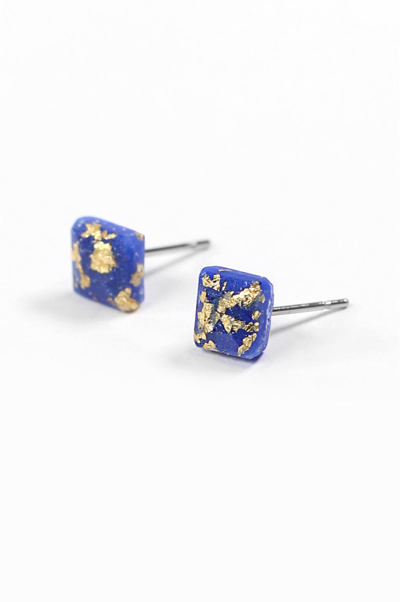 Mozaique, small square-shaped hypoallergenic studs in classic blue resin and gold leaf