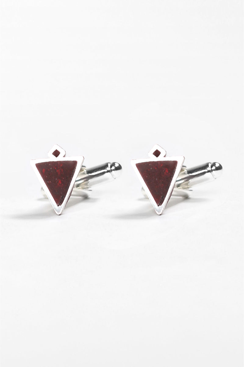 Nil, handmade cufflinks for him in burgundy red resin and hypoallergenic stainless steel