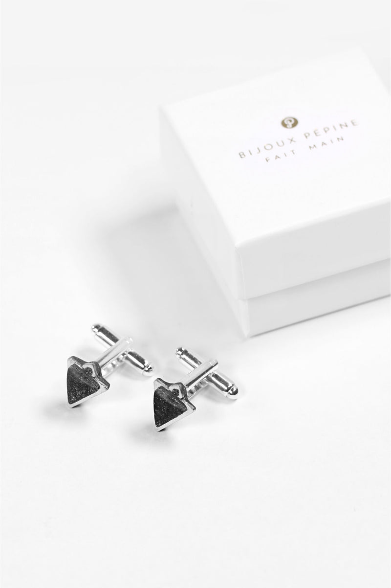 Nil, Montreal made black triangular cufflinks and their Bijoux Pépine luxury gift packaging