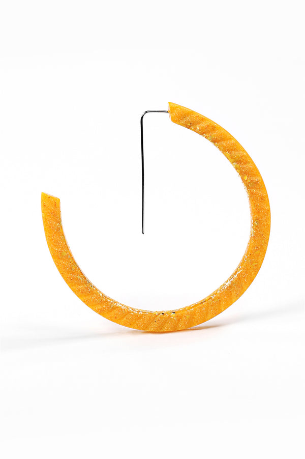 Ouroboros, light hoop earrings in golden yellow ochre resin, gold leaf and hypoallergenic stainless steel