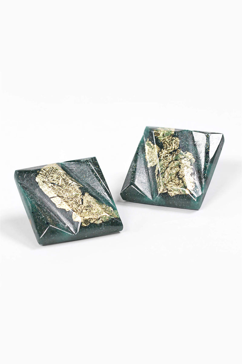 Parfait-studs-earrings-handmade-montreal-canada-resin-jewelry-hypoallergenic-stainless-square-gold-leaf-green-forest