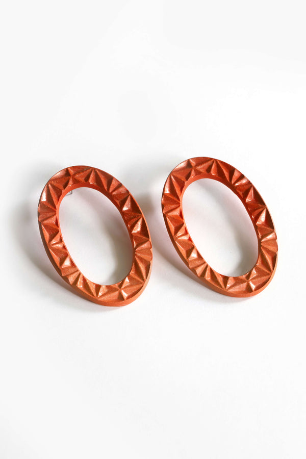 Big statment studs earrings circle Phoebé red coral color