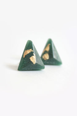Pyramide-studs-earrings-handmade-montreal-canada-resin-jewelry-hypoallergenic-stainless-steel-gift-gold-leaf-green-forest-spirulina