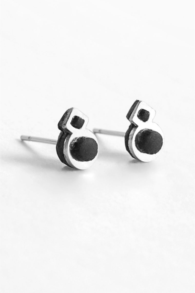 Rose des Vents, small studs handmade in Montreal with black resin and hypoallergenic stainless steel