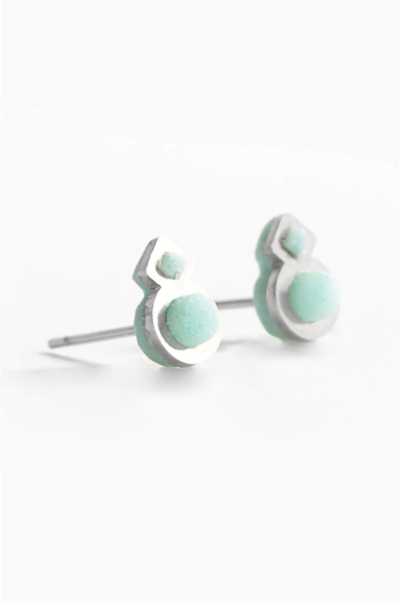 Rose-des-vents-studs-earrings-handmade-montreal-canada-resin-jewelry-hypoallergenic-stainless-steel-green-mint