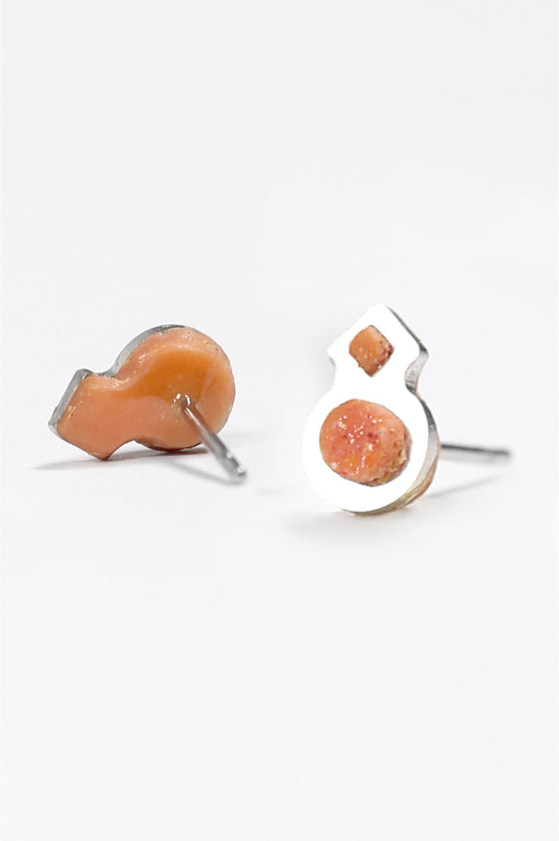 Rose-des-vents-studs-earrings-handmade-montreal-canada-resin-jewelry-hypoallergenic-stainless-steel-coral