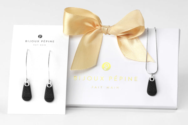 Rosée jewellery set parure with earrings sand teardrop adjustable length necklace in black color resin and hypoallergenic stainless steel