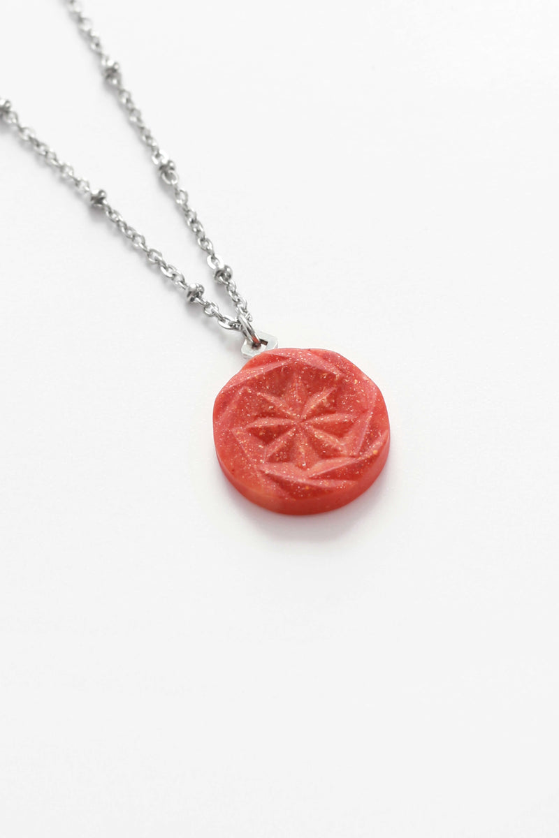 Rosendaël-necklace-handmade-montreal-hypoallergenic-stainless-steel-jewelry-gift-pepine-coral