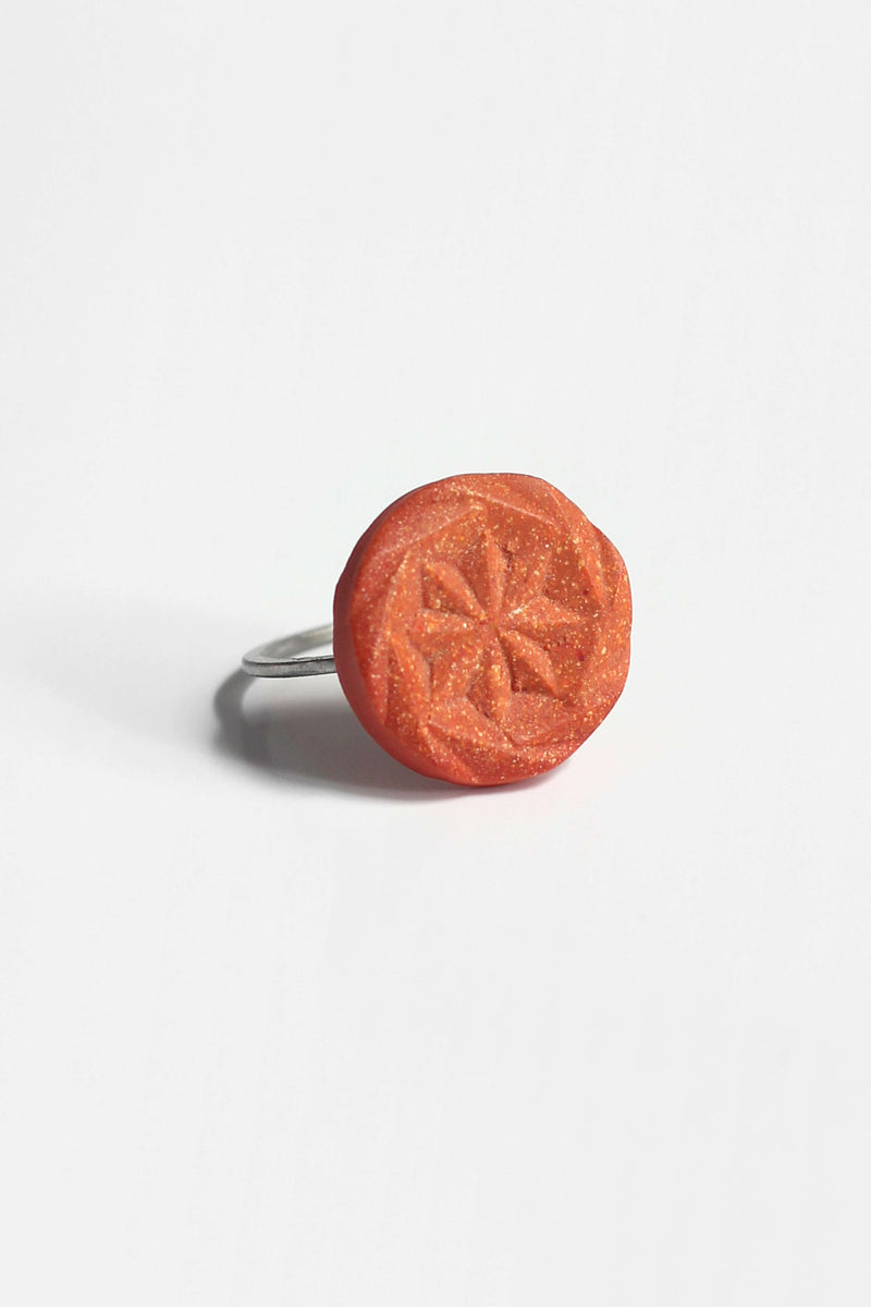 Rosendaël-ring-fashion-contemporary-substainable-handmade-montreal-hypoallergenic-stainless-steel-jewelry-gift-pepine-coral