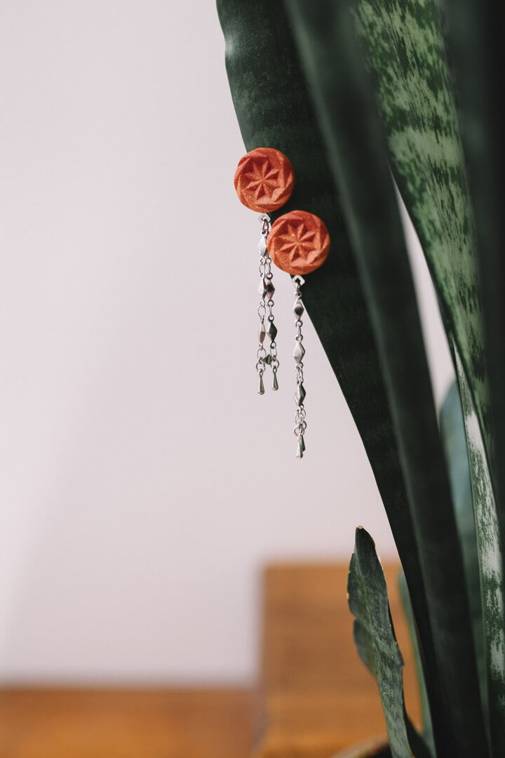 Rosendaël-earrings-studs-fashion-substainable-maker-handmade-montreal-hypoallergenic-stainless-steel-jewelry-gift-pepine-coral