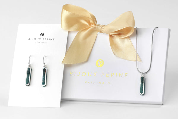 Solstice jewellery set parure with earrings studs and teardrop adjustable length necklace in  forest green color resin and hypoallergenic stainless steel
