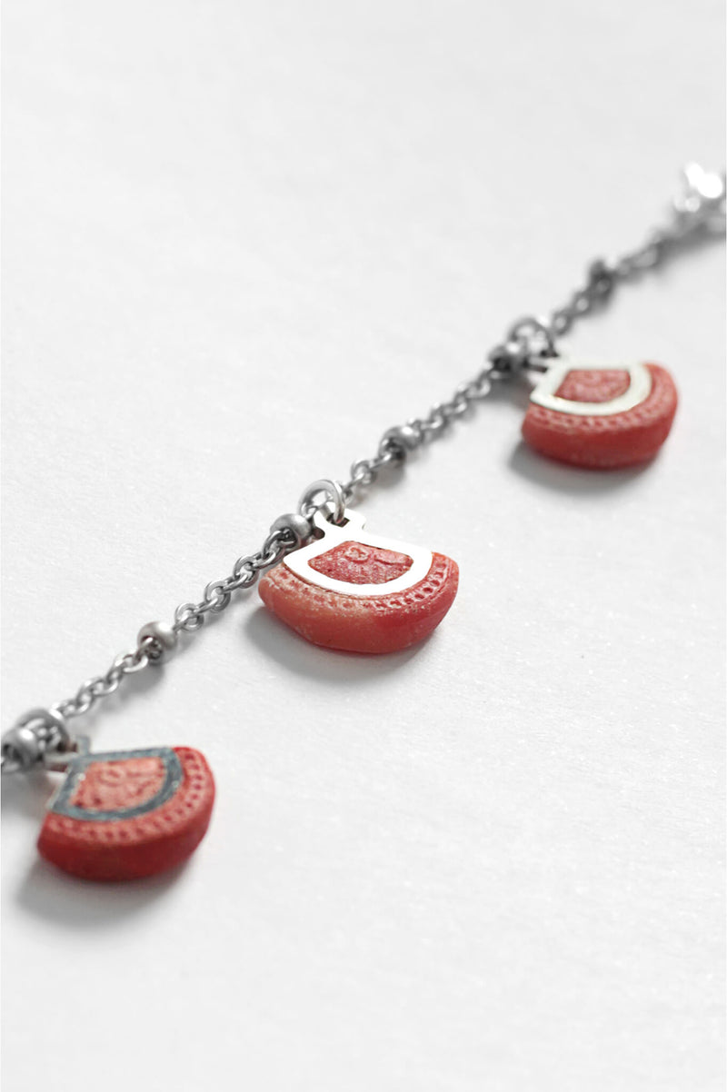 St-jacques-bracelet-handmade-montreal-canada-resin-jewelry-hypoallergenic-stainless-steel-coral