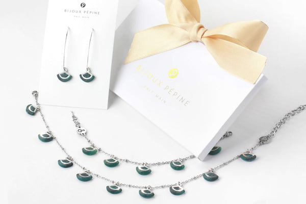 St-Jacques Forest Green Jewelry Set