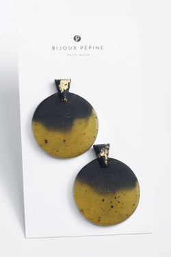 Ulu-studs-earrings-handmade-montreal-canada-resin-jewelry-hypoallergenic-stainless-steel-gold-leaf-black-green-matcha
