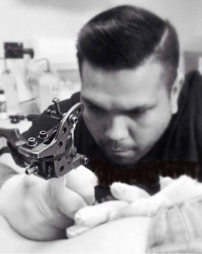 World Class Tattoo Artist At Club Tattoo in Las Vegas Nevada in venetian Grand Canal Shoppes