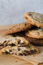 Load image into Gallery viewer, Chocolate Chunk Sea Salt Cookies