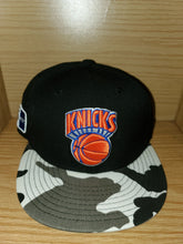 Load image into Gallery viewer, New York Knicks Fitted Hat
