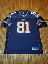 Load image into Gallery viewer, Size 54 - Randy Moss Patriots Jersey