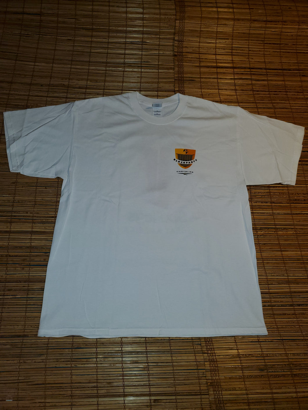 XL - Looney Tunes 6 Flags Shirt
