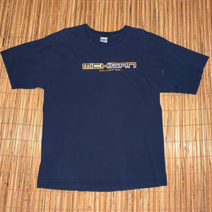 XL - Michigan Wolverines Embroidered Shirt