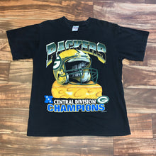 Load image into Gallery viewer, M - Vintage 1996 Green Bay Packers Cheese Helmet Shirt