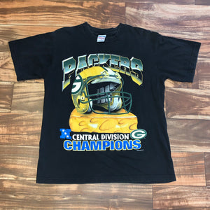 M - Vintage 1996 Green Bay Packers Cheese Helmet Shirt