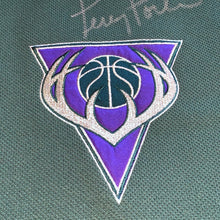 Load image into Gallery viewer, M/L - Vintage Milwaukee Bucks Autographed Terry Porter Shooting Shirt