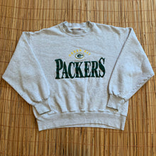 Load image into Gallery viewer, SHORT M/L - Vintage Green Bay Packers Crewneck